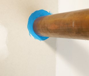 3M™ Fire Barrier Sealant FD 150+ pipe application